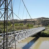 visutý most přes řeku