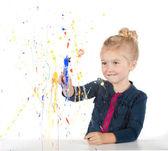 malá holčička, malba na okno