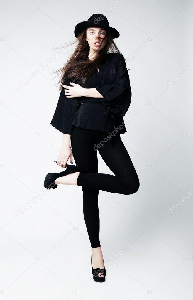 Девки в черной одежде фото 93-57