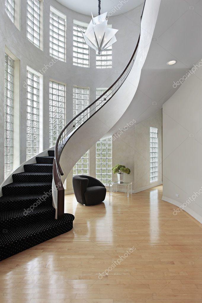 hall de entrada con escalera curva fotos de stock lmphot 8657513. Black Bedroom Furniture Sets. Home Design Ideas