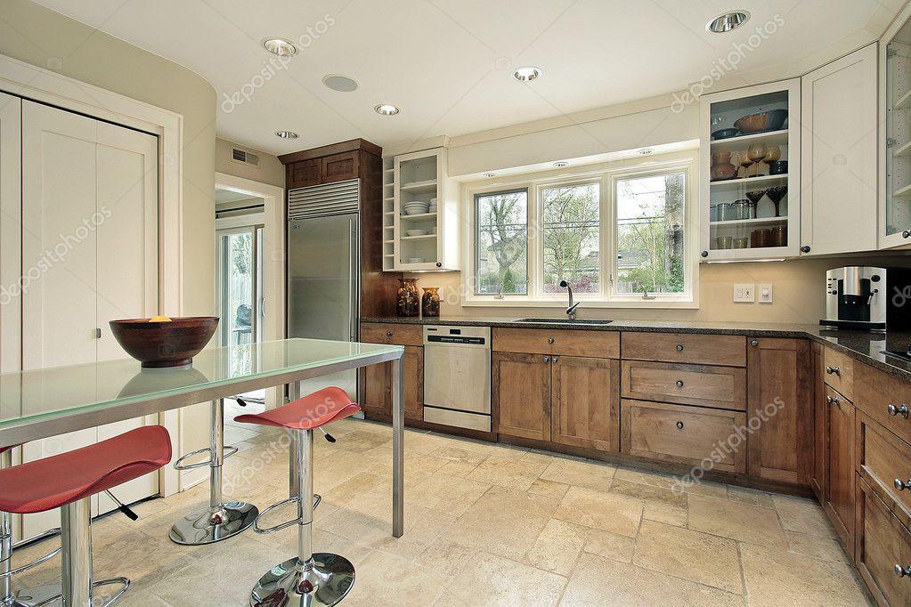 Rechthoekige Glazen Tafel.Keuken Met Rechthoekige Glazen Tafel Stockfoto C Lmphot 8670191