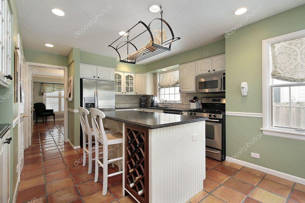 Cucina con mattonelle di pavimento di terracotta u2014 foto stock