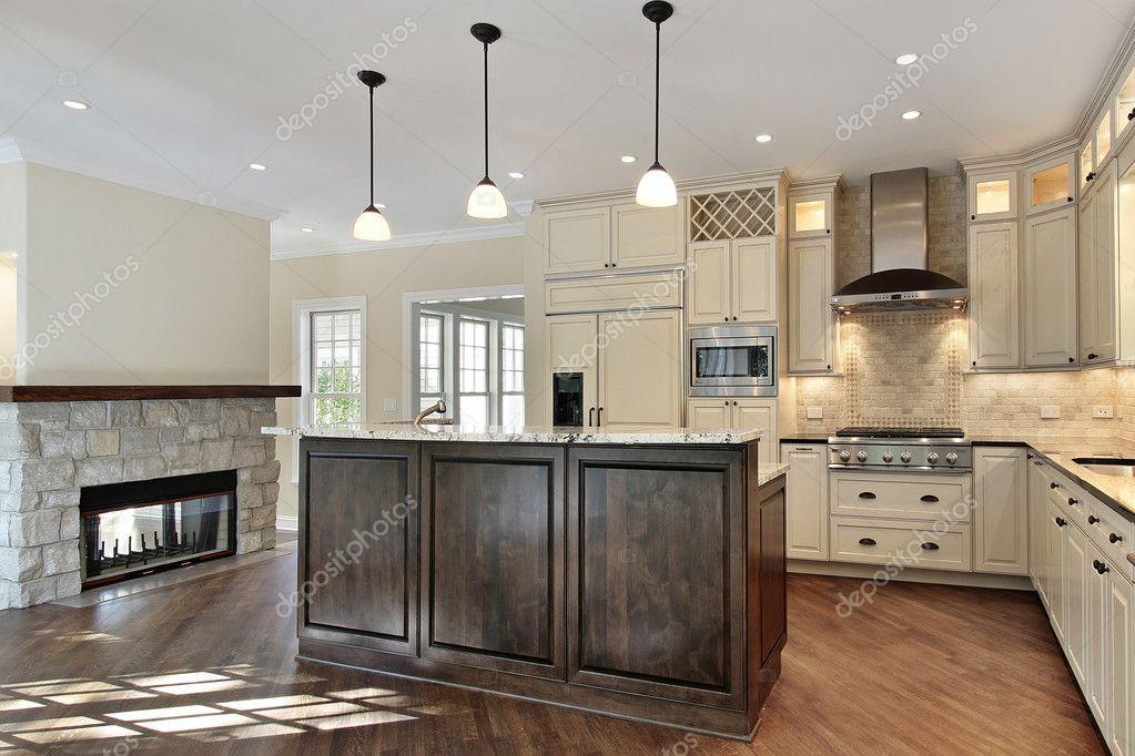 cucina con camino in pietra — Foto Stock © lmphot #8671193