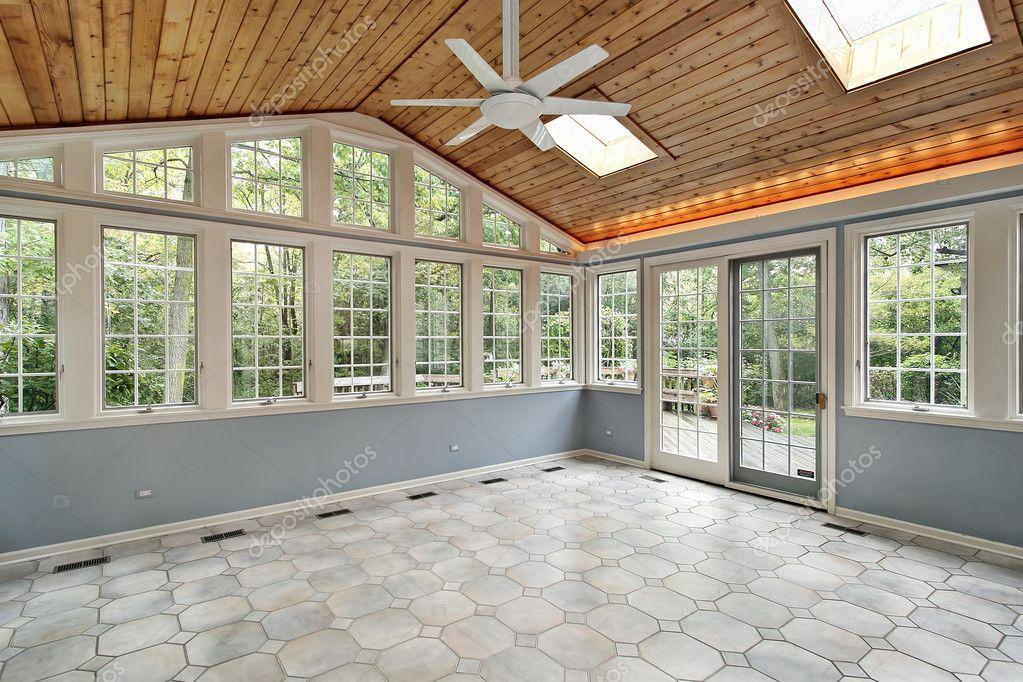 Fußboden Im Wintergarten ~ Wintergarten mit wand von windows u stockfoto lmphot