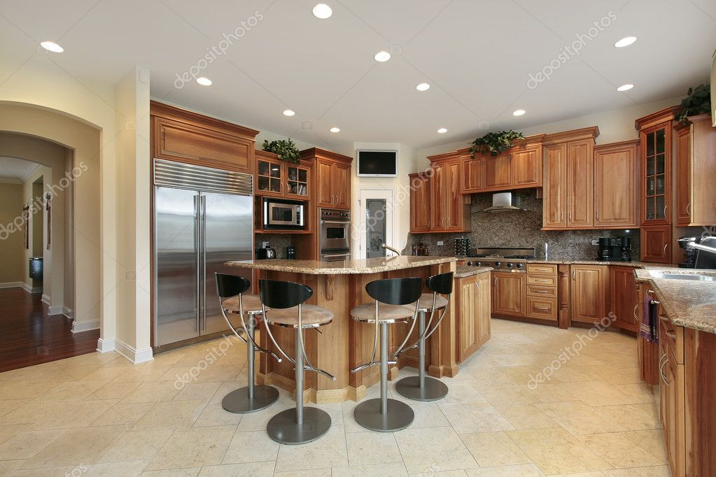 Cucina con bar sgabelli u foto stock lmphot