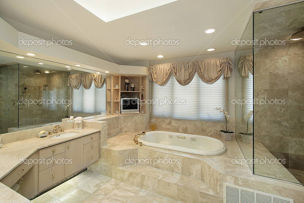 Master bath with step up tub — Stock Photo © lmphot #8702113