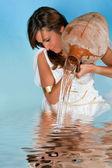 rozvaděč vody žena