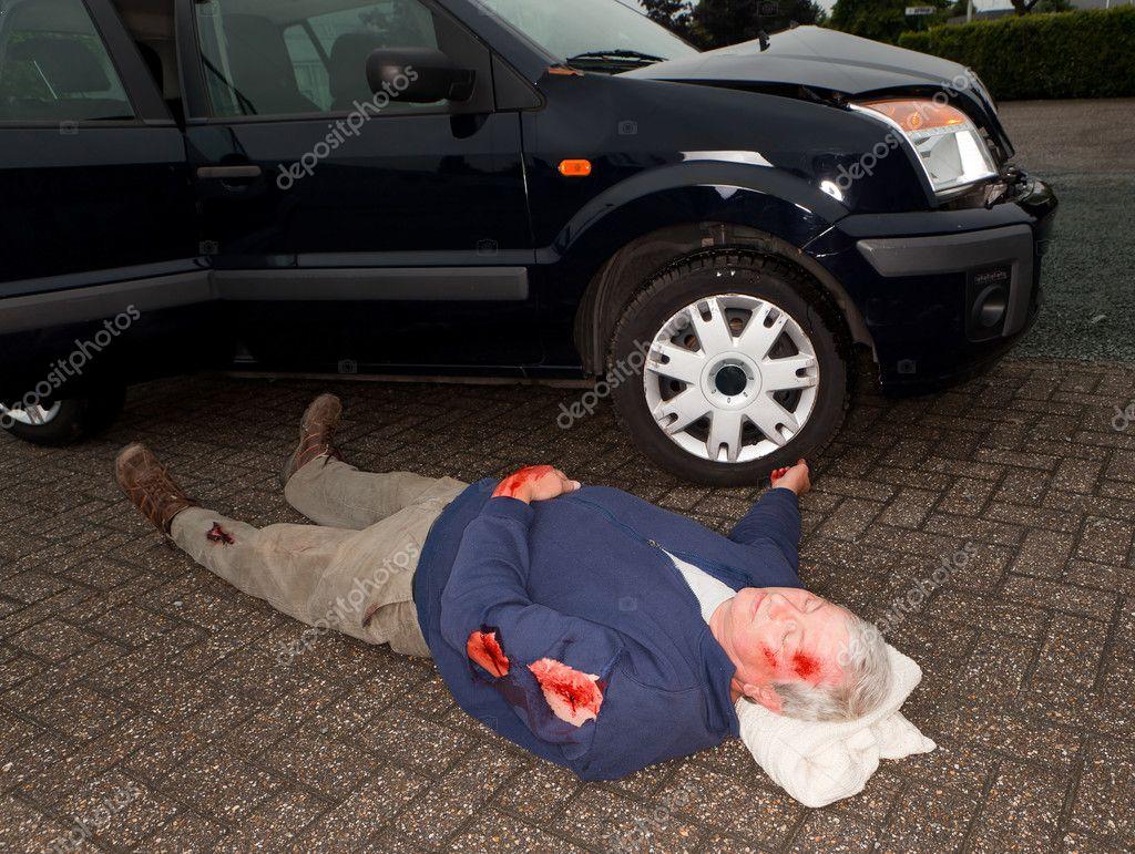 Photos: car accident dead bodies | Car accident dead body