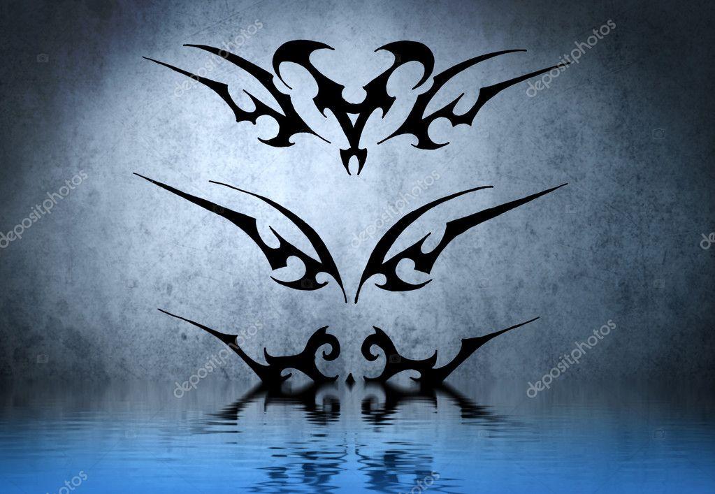 brazalete tribal negro con reflejo de agua diseo de tatuaje sobre