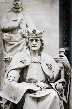 King of Stone, sculpture of the King Alfonso X Wise