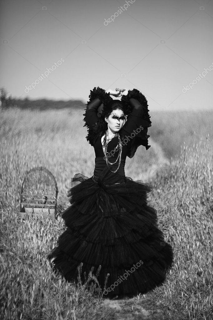 como vestida Fotos de artísticas glamour mujer cuervo un vxHgqXH