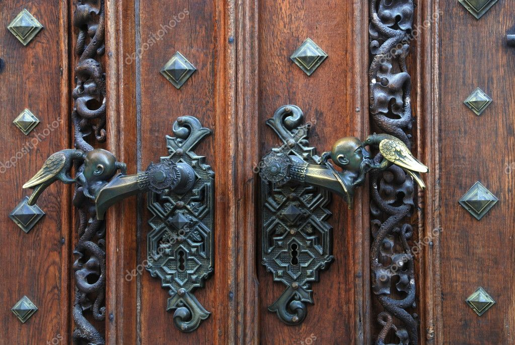 Poignées De Porte Décoratifs En Métal Antique U2014 Image De Drakodav