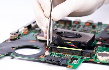 Laptop fan installing