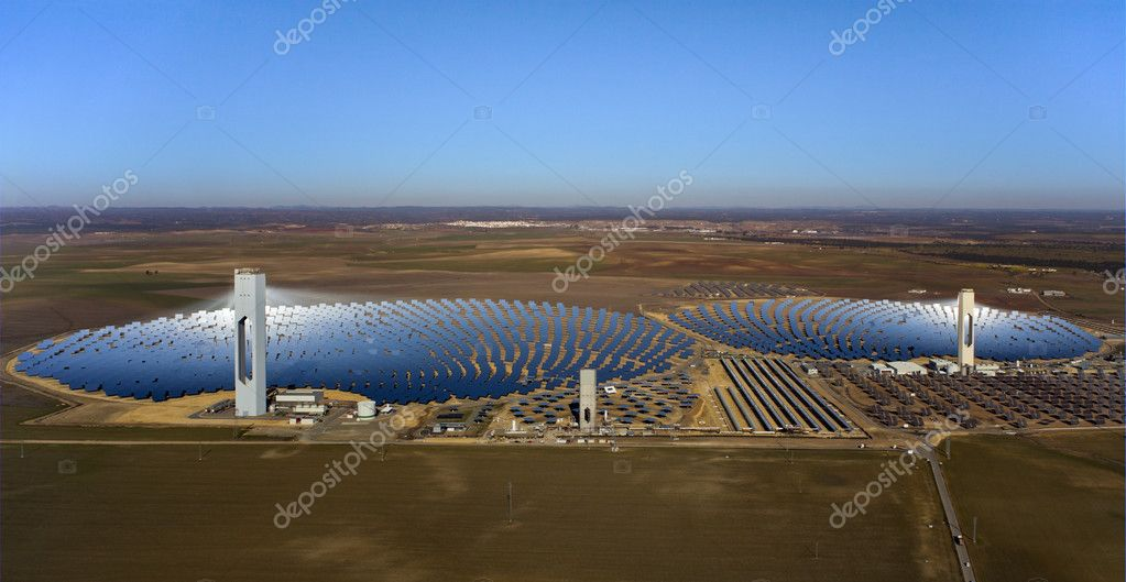 Aerial view of solar thermal power plant — Stock Photo