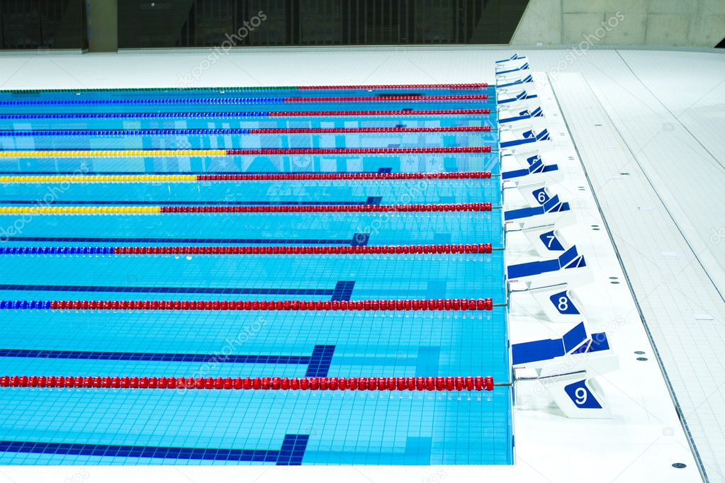 side view of 9 swimming lanes in an olympic sized pool photo by smikemikey1 - Olympic Swimming Pool Lanes