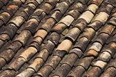 Terra Cotta zsindely a tetőn