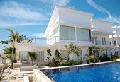 Luxus-Villa mit pool