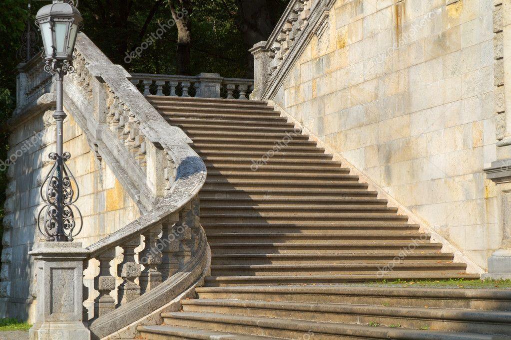 Treppen München treppe an der historischen friedensengel in münchen deutschland