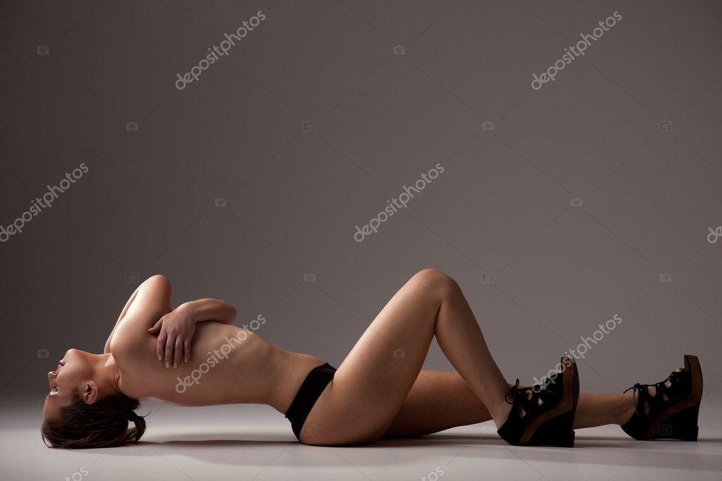 Foto De Mujer Desnuda Saludable Tendido En El Suelo Sesión De