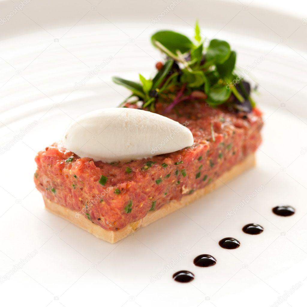 Beef tartar with foie