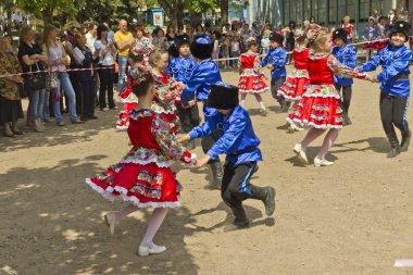 Children's folklore ensemble.#2