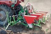 traktor a secí stroj