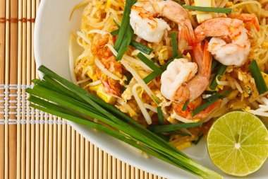 Thai stir-fried rice noodles (Pad Thai)
