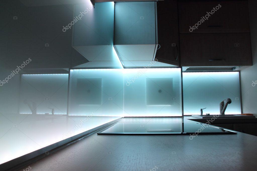 Küche mit led Beleuchtung — Stockfoto © PromesaStudio #9578094