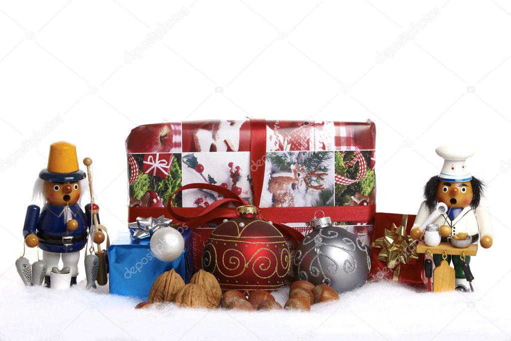 Kerstboom Ballen Houten Figuur Geschenken En Noten In De Sneeuw