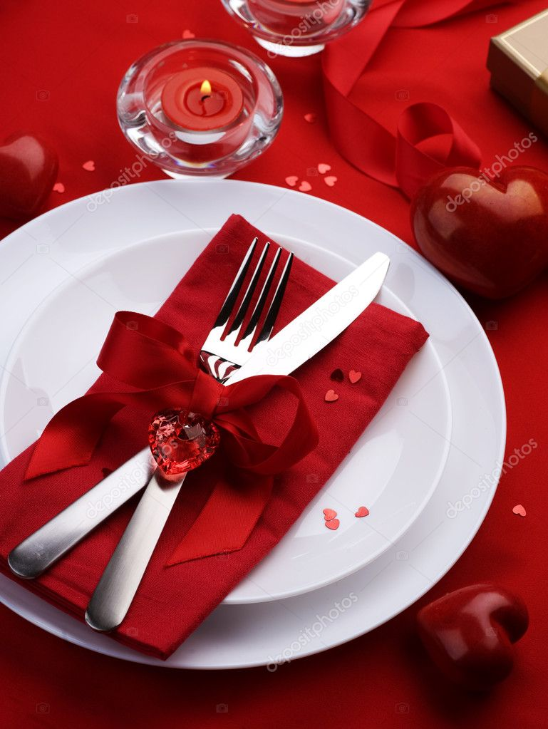 Romantic Dinner. Table place setting for Valentineu0027s Day u2014 Stock Photo & Romantic Dinner. Table place setting for Valentineu0027s Day u2014 Stock ...
