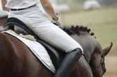 Frau zu Pferd