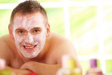 Man in spa with mask