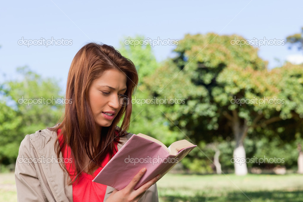 wr young woman notices - 600×400