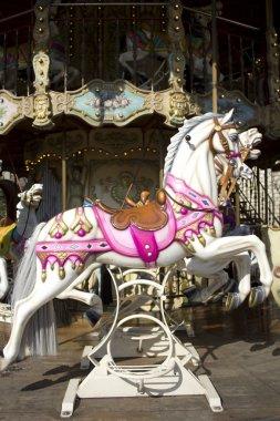 Carrousel manège old merry-go-round paris 9