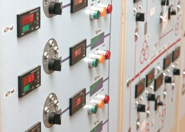 Technical control panel with electric devices