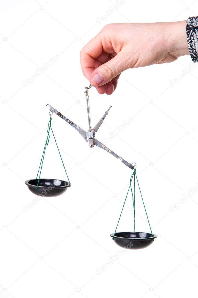 frauen hand halten gleichgewicht mess-waage — Stockfoto © Vitalinka ...