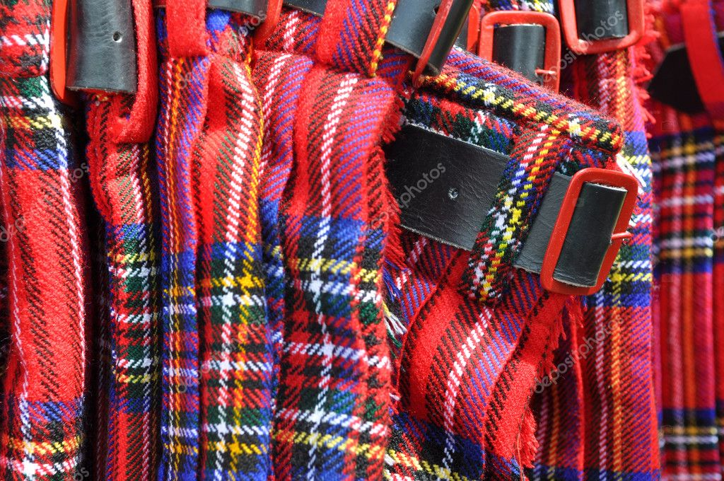 4ea039d256da Kilts écossais rouges avec boucle de ceinture– images de stock libres de  droits
