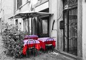 terasa restaurace na ulici