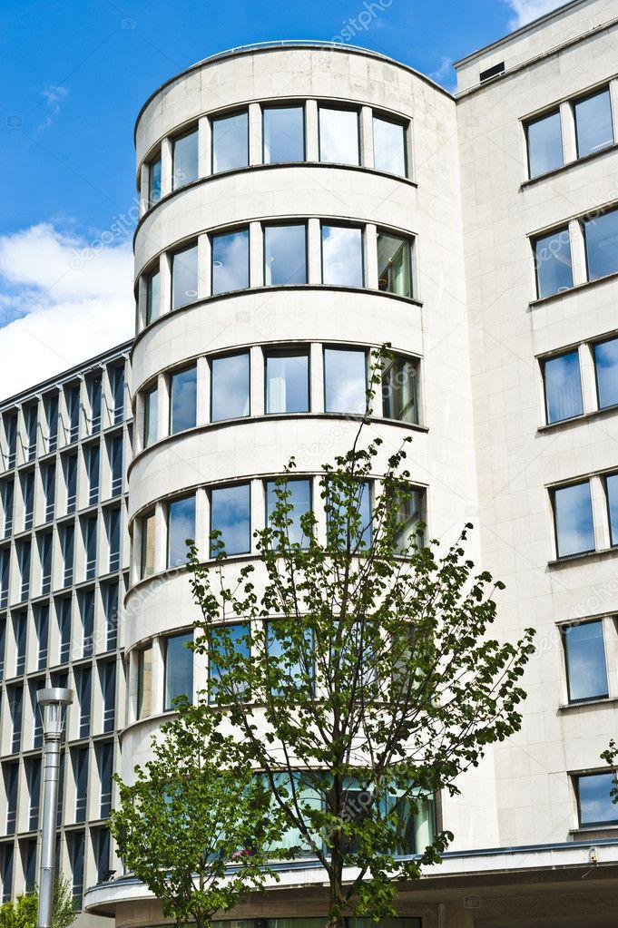 weiße Brüssel Wohnung Wohnungen — Stockfoto © eugenef #10146083