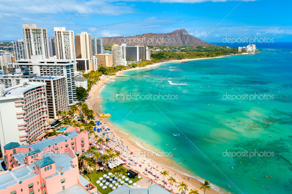 Waikiki beach and diamond head crater on Oahu, Hawaii