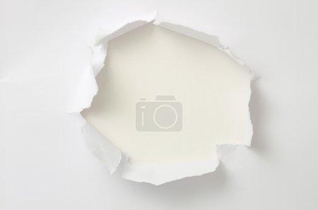 Foto de Papel rasgado con espacio para su mensaje - Imagen libre de derechos