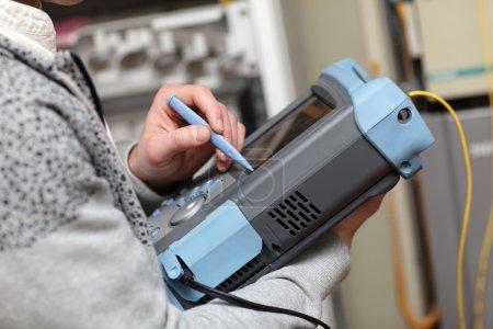 Adjustment of fibre optic analyser