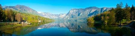 Photo pour Lac Bohinj dans le parc national du Triglav Slovénie - image libre de droit