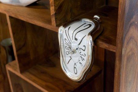 Décor - montre flottante