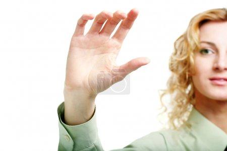 Photo pour Une image d'une main tenant une carte imaginaire - image libre de droit