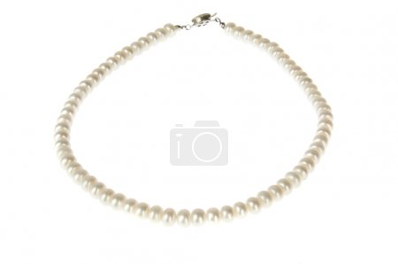Elegant white pearl necklace