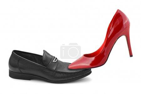 Photo pour Chaussures homme et femme isolées sur fond blanc - image libre de droit