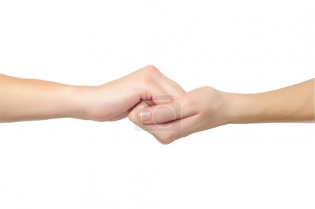 Mains féminines en forme de serrure se tenant isolées sur whi
