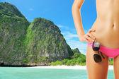 žena s krásným tělem na pláži