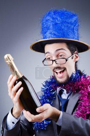 Photo pour Magicien dans le costume d'affaires - image libre de droit